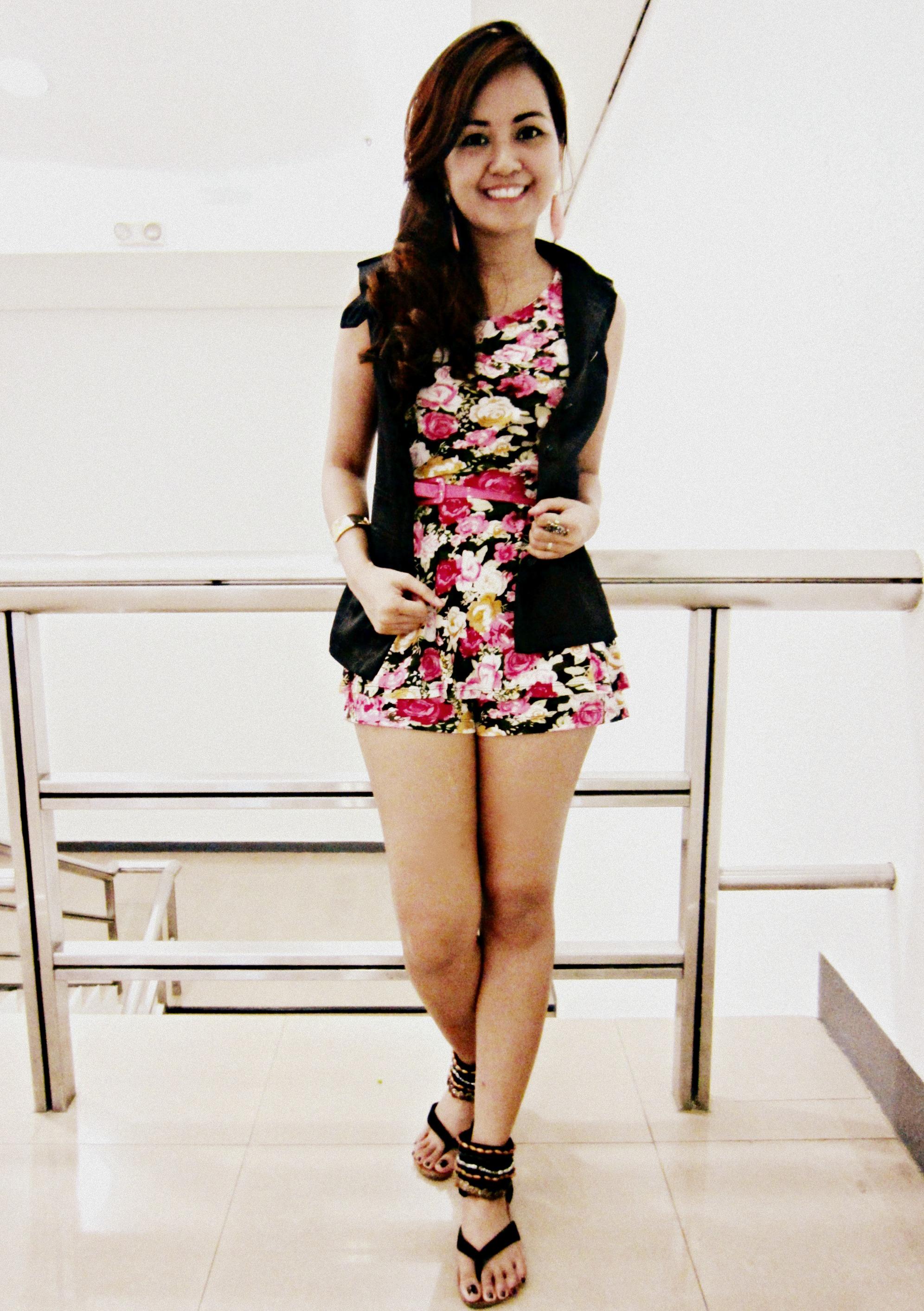 mini-skirt-in-hot-teen-pinay